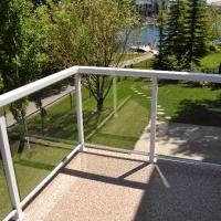 flat-top-aluminum-glass-rail