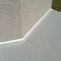 vinyl-up-against-stucco